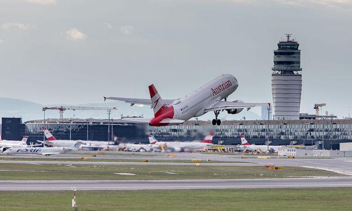 AUSTRIA - ECONOMY - AIRPORT - AIRPLANE - SCHWECHAT