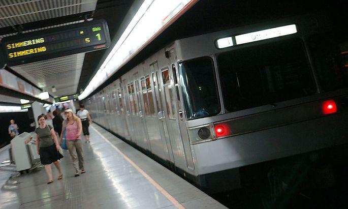 Prozess nach Stoß vor Wiener U-Bahn