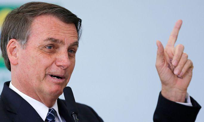 Jair Bolsonaro findet, Deutschland soll sich um seinen eigenen Wald kümmern.