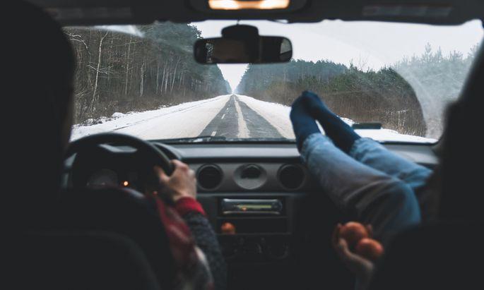 """Kein """"Driving Home for Christmas"""": Das berühmte Lied von Chris Rea wird für viele heuer nicht gelten."""