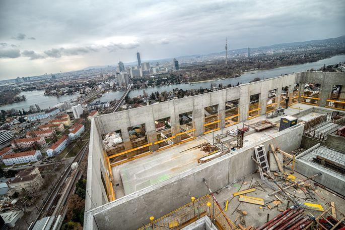 Baustelle mit Blick über Wien.