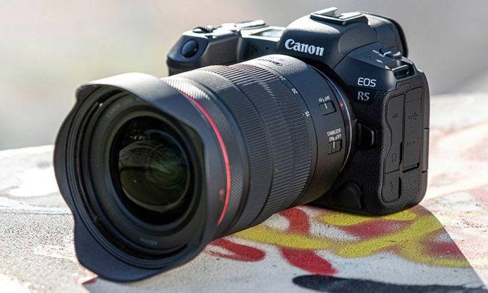 Die Canon Eos R5 ist die erste spiegellose Vollformatkamera, die Videoaufnahmen mit 8-K-Auflösung möglich macht.