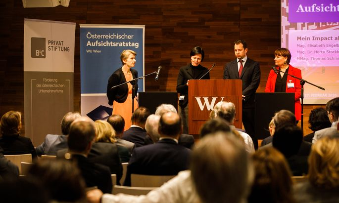 Susanne Kalss, Institut für Unternehmensrecht, diskutierte mit Elisabeth Engelbrechtsmüller-Strauß, Aufsichtsrätin beim Verbund, Öbag-Chef Thomas Schmid und Herta Stockbauer, Aufsichtsrätin unter anderem bei der Oberbank und der Post AG.