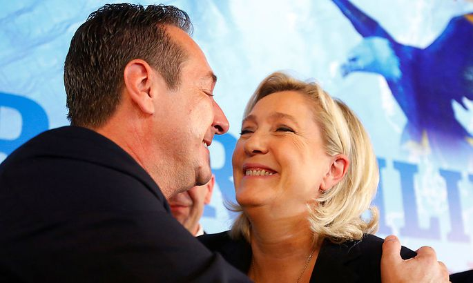 Strache und Le Pen bei dem Treffen in Wien.