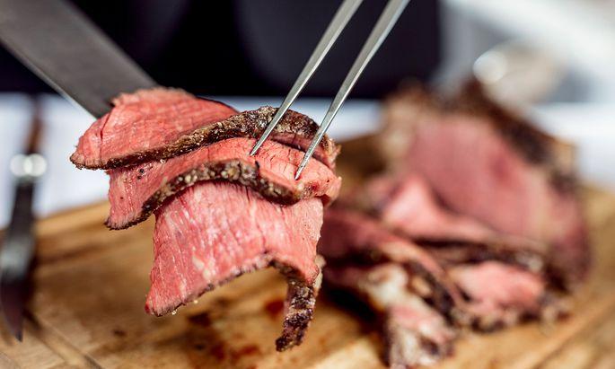 """""""Blättrig geschnittenes"""" Rindfleisch liest man in heutigen Kochbüchern auch nicht mehr... (Symbolbild)."""