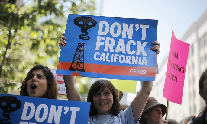 People protest against fracking in California