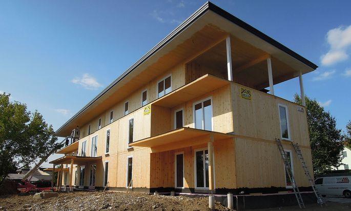 Ein Haus aus Brettsperrholz in der Weststeiermark: aus ökologischer Sicht durchaus sinnvoll, schließlich wächst der Rohstoff nach.
