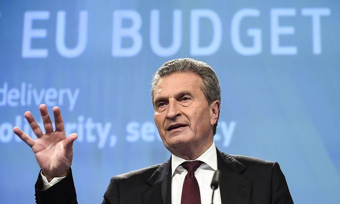 EU-Kommissar Günther Oettinger sieht in den Plastik-Plänen der Kommission kein Problem.