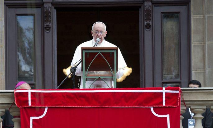 PapstSegen fuer Armen Rios