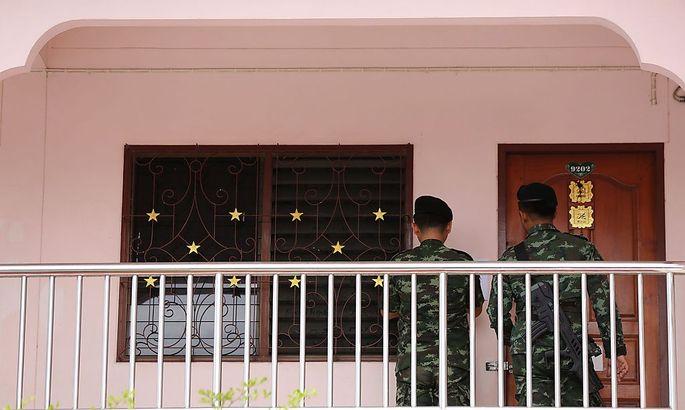 Schon am Samstag fand eine Razzia in einer Wohnung in Bangkok statt.