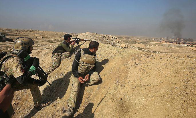 Irakische Soldaten vor Mossul.