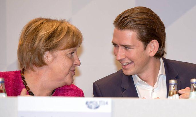 Archivbild aus 2014: Angela Merkel und Sebastian Kurz.
