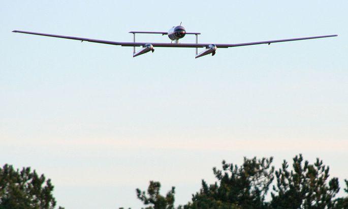 """Eine Drohne der Firma Firma """"Survey Copter"""""""