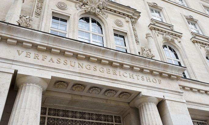 SPÖ und Neos wollen den Verfassungsgerichtshof mit der Causa befassen.