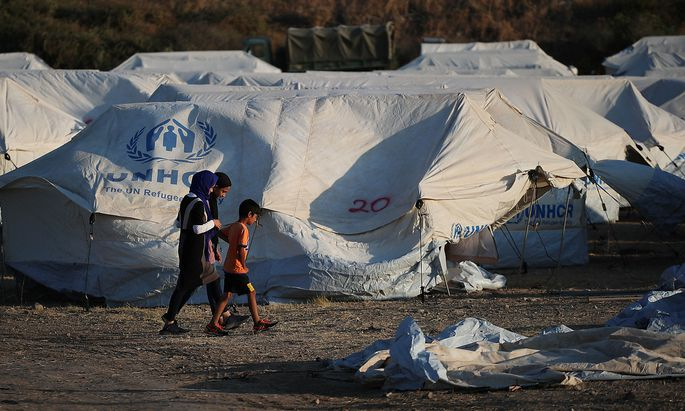 Migrants new temporary camp on the island of Lesbos