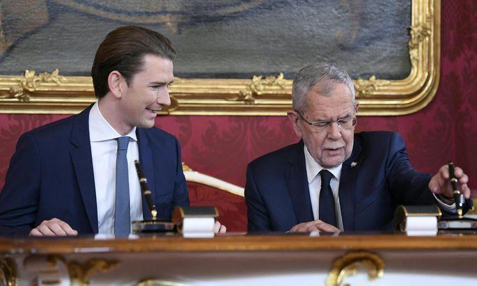 Bundeskanzler Sebastian Kurz und Bundespräsident Alexander Van der Bellen im Rahmen der Angelobung