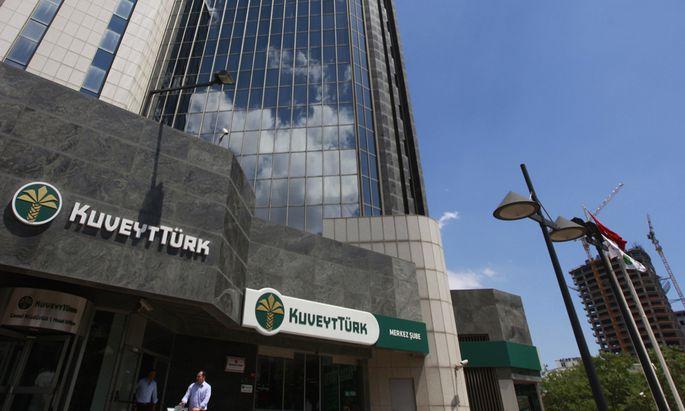 Archivbild: Das Hauptquartier der Kuveyt Türk Bank AG in Istanbul