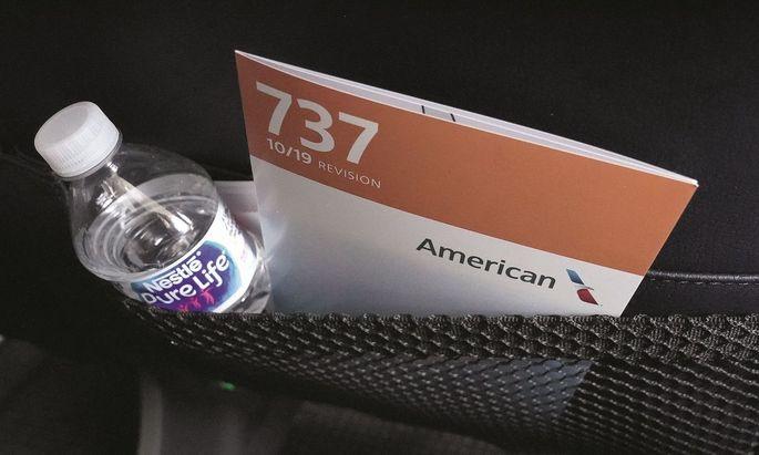 Abkehr. Die Sitztasche wird leerer: Einige Airlines (hier ein Symbolbild) verzichten auf Bordmagazine, auch aus hygienischen Maßnahmen.