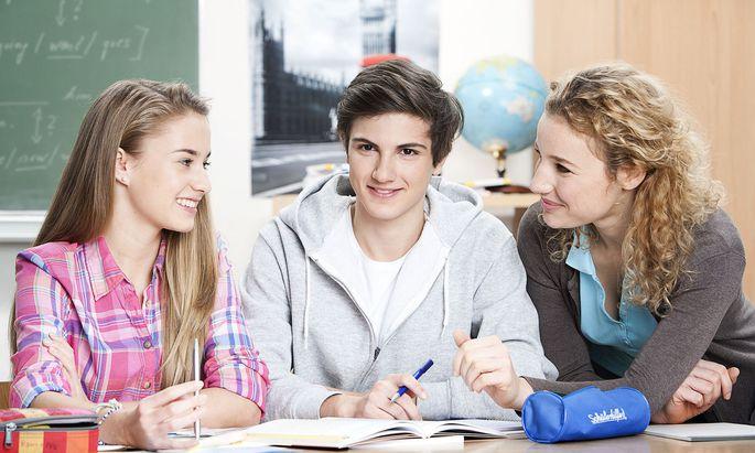 Schüler, die in der Schule weniger durch Wissen glänzen, können mitunter in der Nachhilfegruppe auch Selbstbewusstsein tanken.