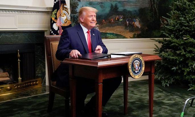 Trump zu Beginn einer Video-Konferenz mit Mitgliedern des US-Militärs anlässlich Thanksgiving, m 26. November.