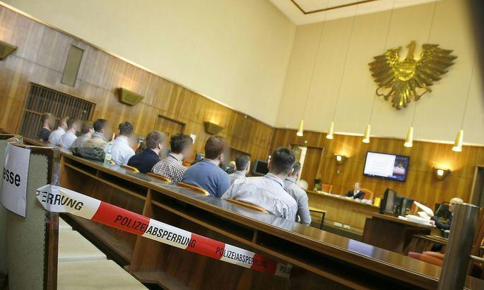 Bild vom Identitären-Prozess im Schwurgerichtssaal des Grazer Straflandesgerichts