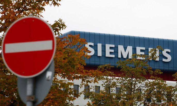 Gehaltsaffaere Siemens stellt Personalchef