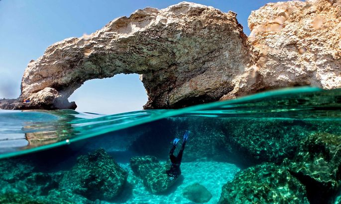 TOPSHOT-CYPRUS-CLIMATE-MARINE-EARTH DAY
