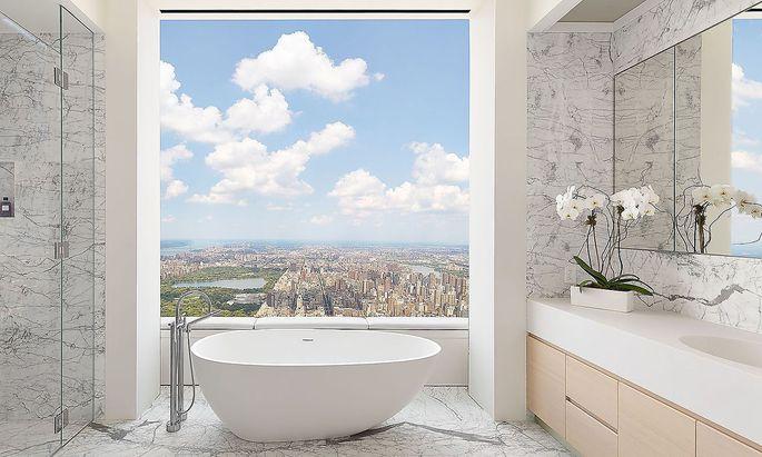Atemberaubender Blick über Manhattan aus dem Badezimmer.