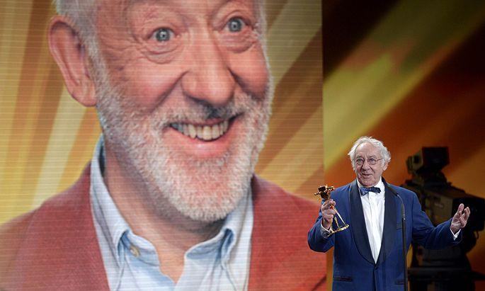 German actor Dieter Hallervorden speaks after receiving the trophy for category ´lifetime achievement award national´ during 48th Golden Camera award ceremony in Berlin