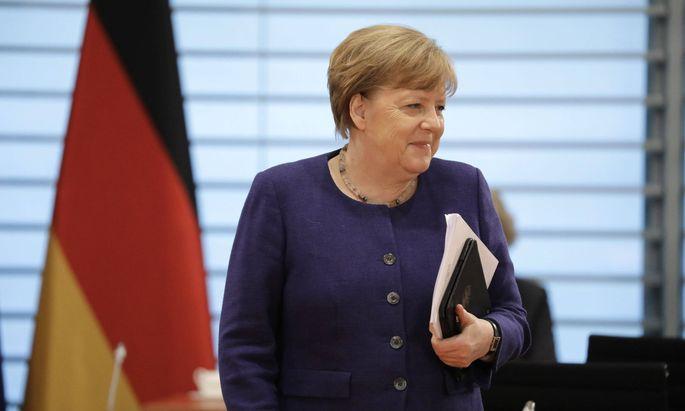 Angela Merkel bekräftigt die Sinnhaftigkeit der Corona-Beschränkungen