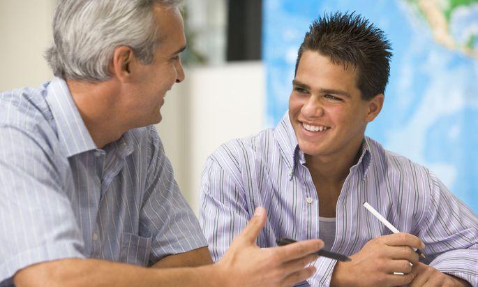 Die Chemie zwischen Nachhilfelehrer und -schüler ist entscheidend, eine Probestunde daher Pflicht.