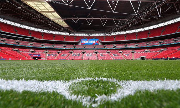 Wer darf hier spielen bzw. zusehen? Die Uefa hält am EM-Standort Wembley-Stadion in London trotz steigender Zahl an Neuinfektionen mit dem Coronavirus fest.