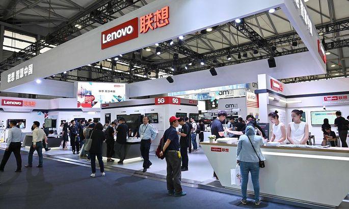 Lenovos PC-Geschäft läuft gut. In der Handysparte gerät man ein wenig ins Hintertreffen.