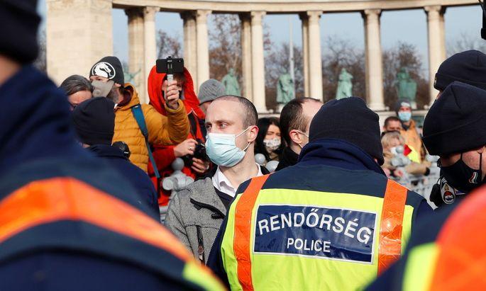 Eine Demonstration in Budapest gegen die Anti-Covid-Maßnahmen der ungarischen Regierung.