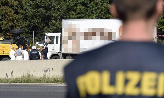 In diesem Lkw wurden Im August an der Ostautobahn die Leichen von 71 Flüchtlingen gefunden.