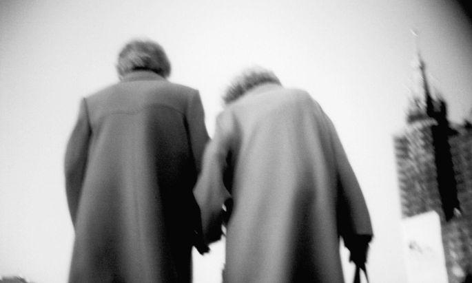 Je und desto gehören zusammen wie ein Paar, das schon lange zusammen ist.