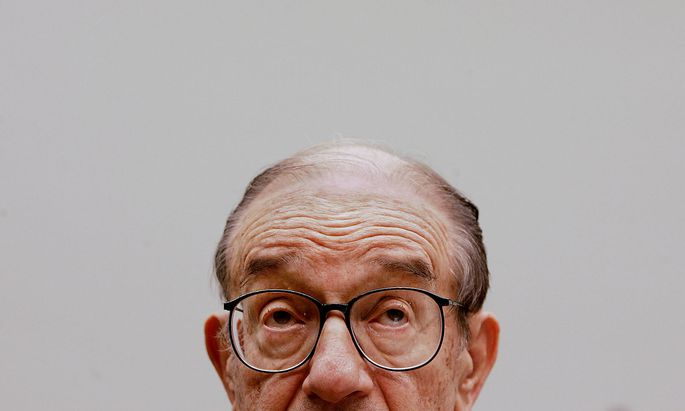 Chairman of the Federal Reserve Alan Greenspan testifies in House Committee.
