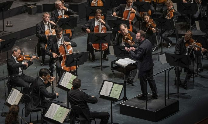 Mit ihrem neuen Chefdirigenten sorgen die Berliner wieder für kalkulierte Höhepunkte im Salzburger Konzertreigen.