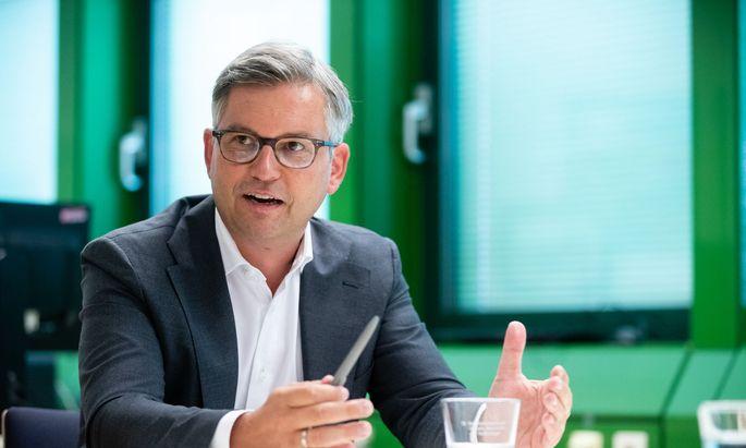 """""""Alleingänge sind jedenfalls der falsche Weg und verunsichern die Menschen"""", sagt Magnus Brunner."""
