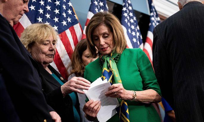 Nancy Pelosi kündigte an, die Ankagepunkte an den Senat übergeben zu wollen.