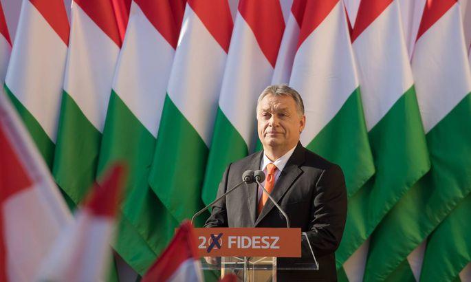Ungarns Premier Viktor Orba ́n will die Verlängerung des Notstands.