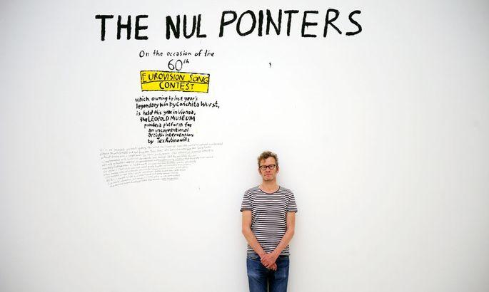 """Multitalent Rubinowitz bei seiner Ausstellung """"The Nul Pointers"""" im Leopold-Museum im Mai."""