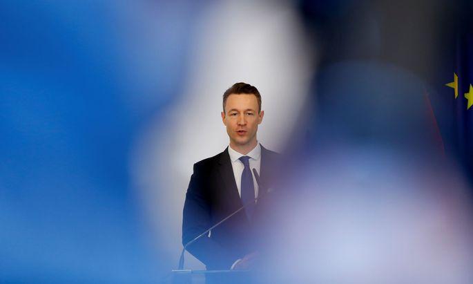 """""""Geschwindigkeit ist wichtig"""", sagt Finanzminister Blümel. Bisher funktionierte das in der Praxis nicht immer."""