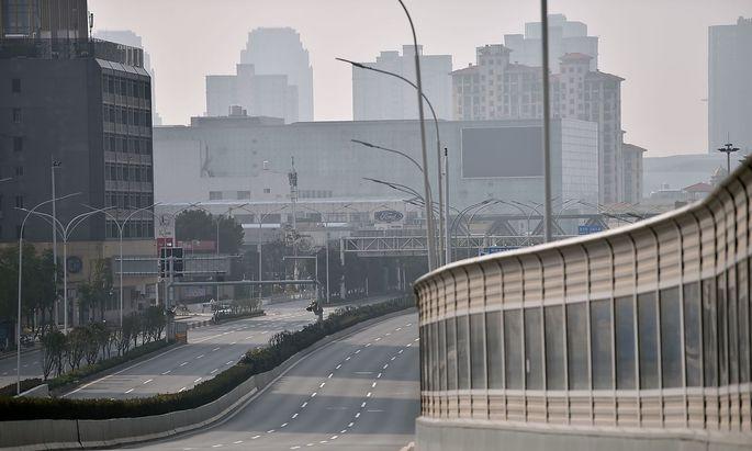 Ein Bild aus Wuhan - die Millionenstadt wurde wegen des neuen Coronavirus zur Geisterstadt.