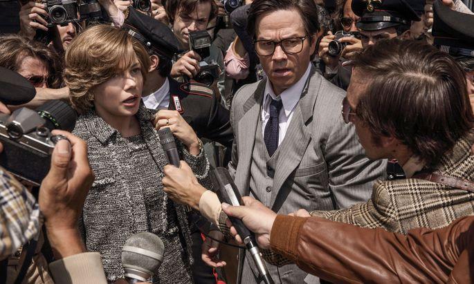 Bangt um das Leben ihres entführten Sohnes: Gail Harris (Michelle Williams, neben Mark Wahlberg). Das Leid wird hier weidlich ausgekostet.