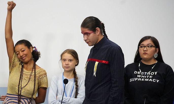 Greta Thunberg (2.v.li.) verschaffte Jugendlichen eine Möglichkeit, von den Problemen in ihren Heimatländern durch den Klimawandel zu berichten.