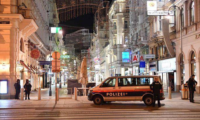 Polizeieinheiten beim Terroranschlag in der Wiener Innenstadt