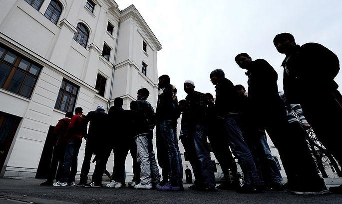 Asyllager Traiskirchen: Pröll überlegt Aufnahmestopp