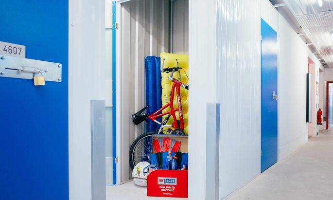 Die Angebote reichen vom Eck, das einen Quadratmeter groß ist, bis zu geräumigen Abteilen.