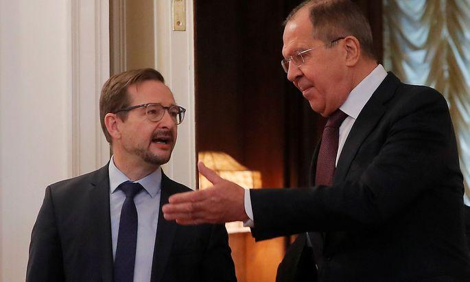Sergej Lawrow (re.) und der neue OSZE-Generalsekretär Thomas Greminger in Moskau.